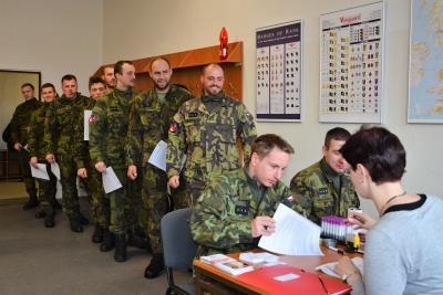 102 nových dárců z řad vojáků